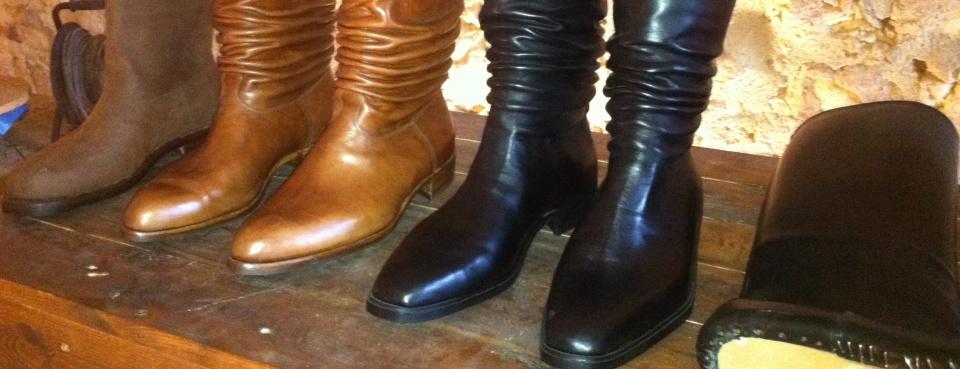 Στιβάνια: οι χειροποίητες κρητικές μπότες & χαρακτηριστικό στοιχείο της τοπικής φορεσιάς