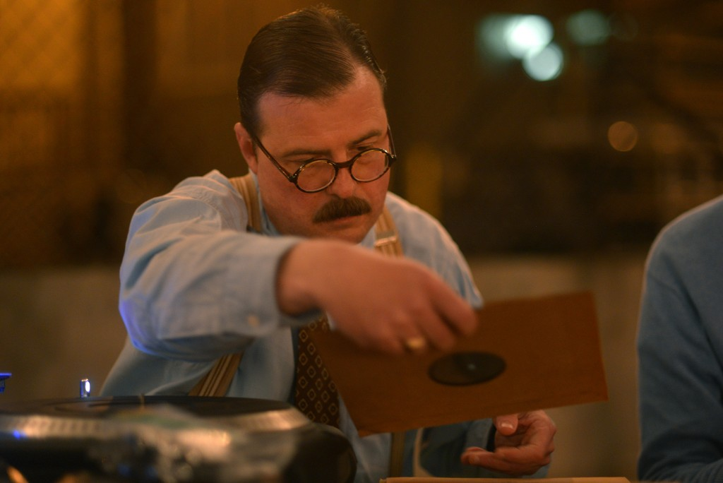 Chris-playing-78s