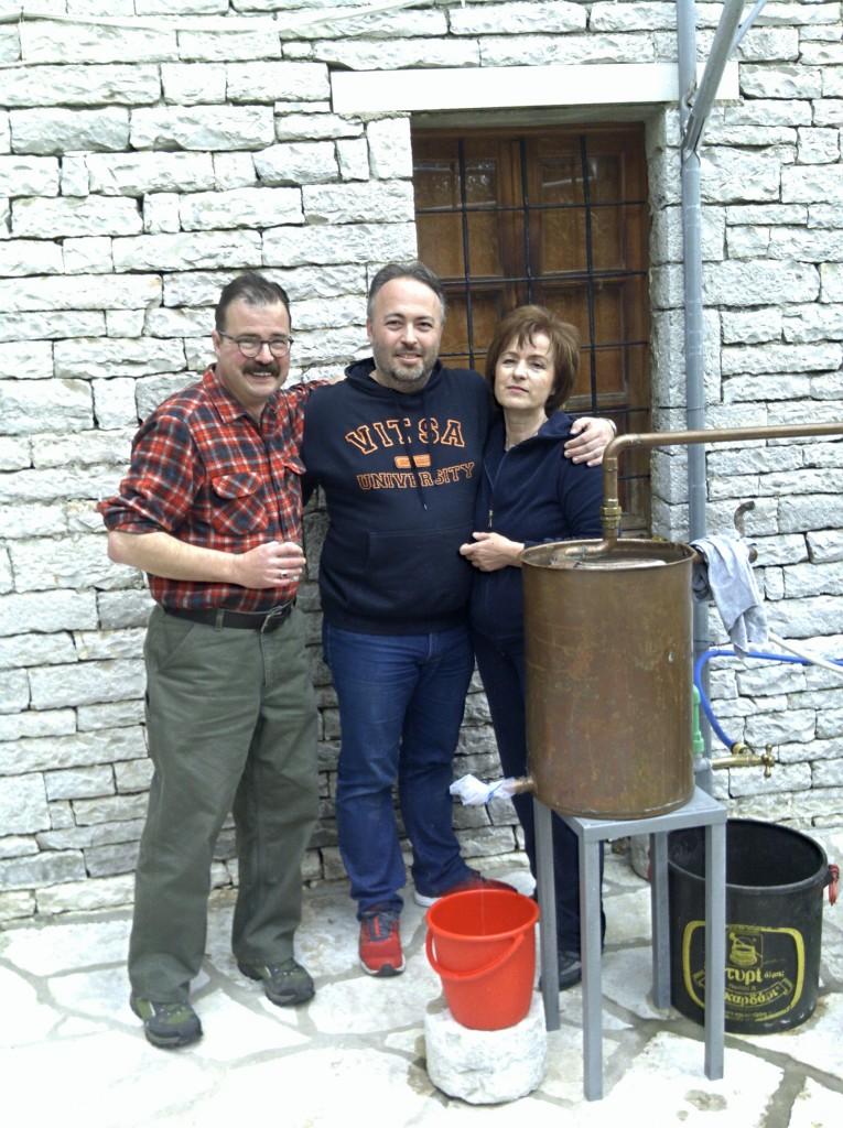 Making tsipouro with Alexandros Spyrou - Φτιάχνοντας τσίπουρο με τον Αλέξανδρο Σπύρου