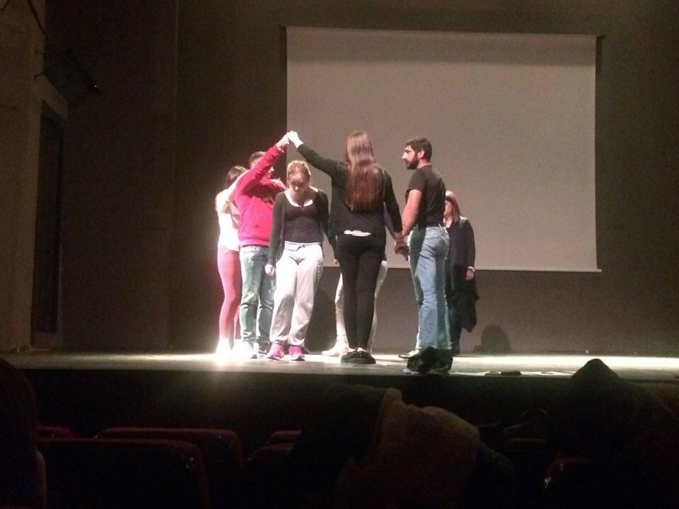 """""""Ο Πόλεμος και ο 'Ερωτας"""" με την Κατερίνα Βαγγέλα από την Χορευτική Ομάδα Ιεράπετρας"""